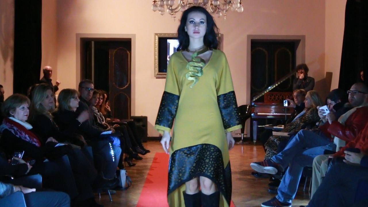... in passerella Mauro Gala Couture 573236f25d6