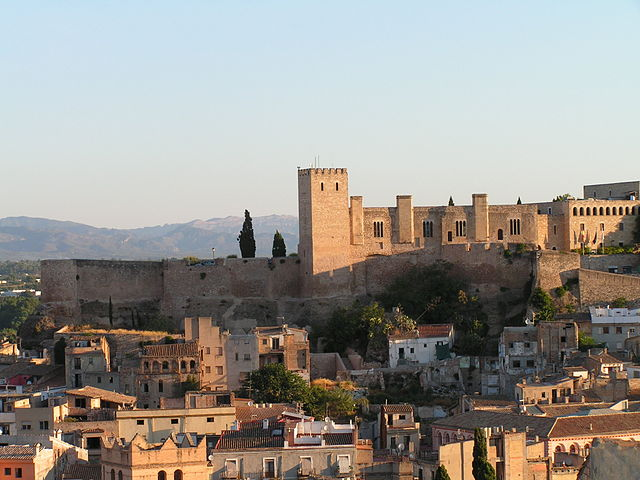 """Tortosa - La Suda"" by Manel Zaera - Castell de la Suda. Licensed under CC BY-SA 2.0 via Wikimedia Commons - https://commons.wikimedia.org/wiki/File:Tortosa_-_La_Suda.jpg#/media/File:Tortosa_-_La_Suda.jpg"