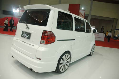APV Luxury R17 Manual OTR 177.100.000,- title=