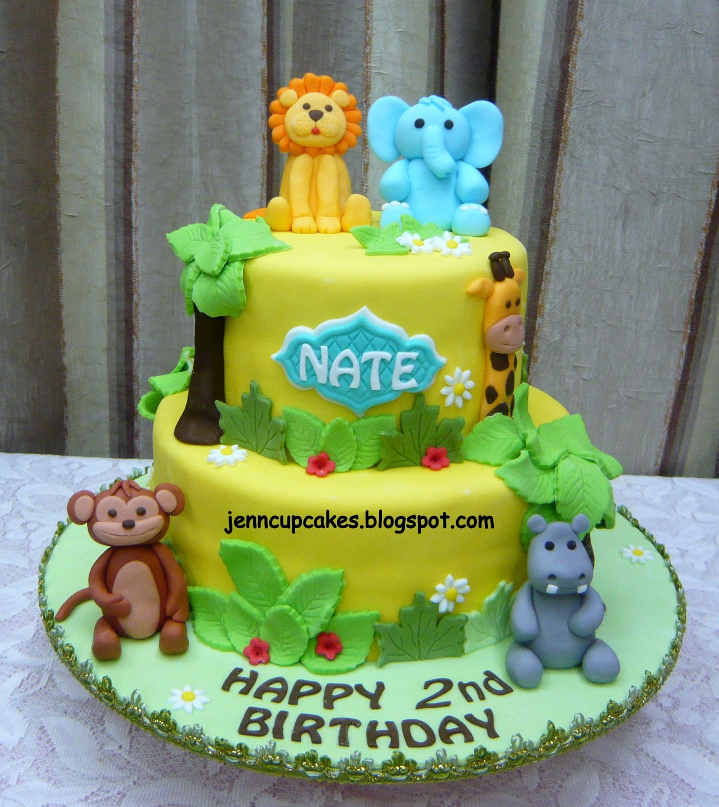 Jenn Cupcakes Muffins Jungle Theme Cake