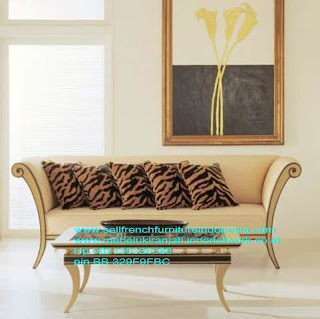Mebel ukir jati jepara.Sofa molina ukir jepara,Sofa ukir jepara Jual furniture mebel jepara sofa tamu klasik sofa tamu jati sofa tamu antik sofa tamu jepara sofa tamu cat duco jepara mebel jati ukir jepara code SFTM-22091