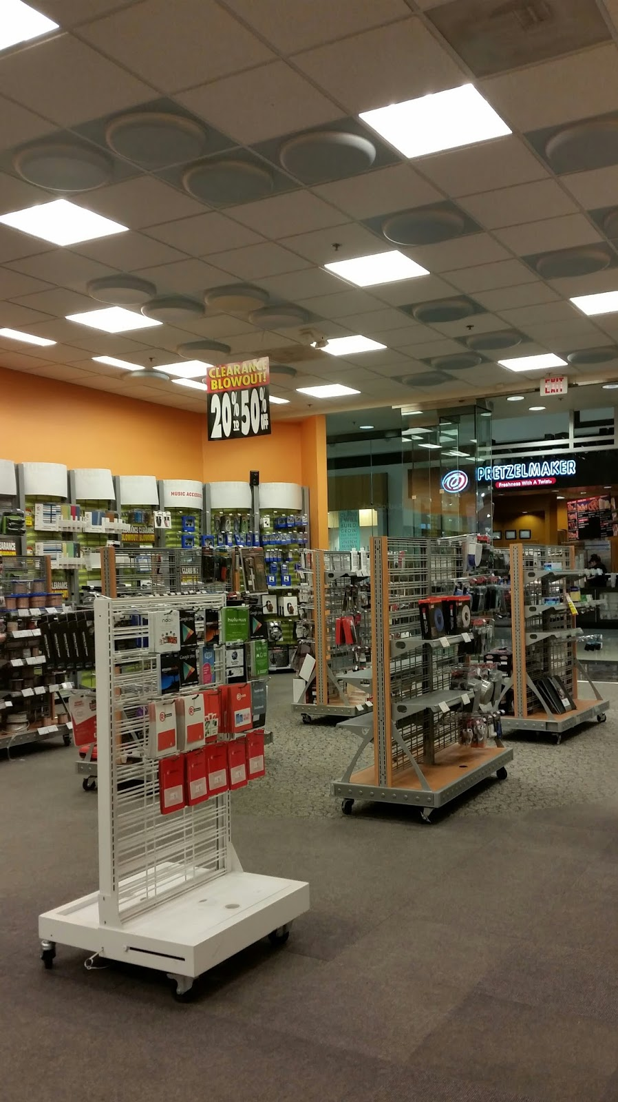 hook up store security mall University park mall is a super-regional mall serving the surrounding areas of south bend,  disney store, forever 21, j crew,  mall insider sign up about map.