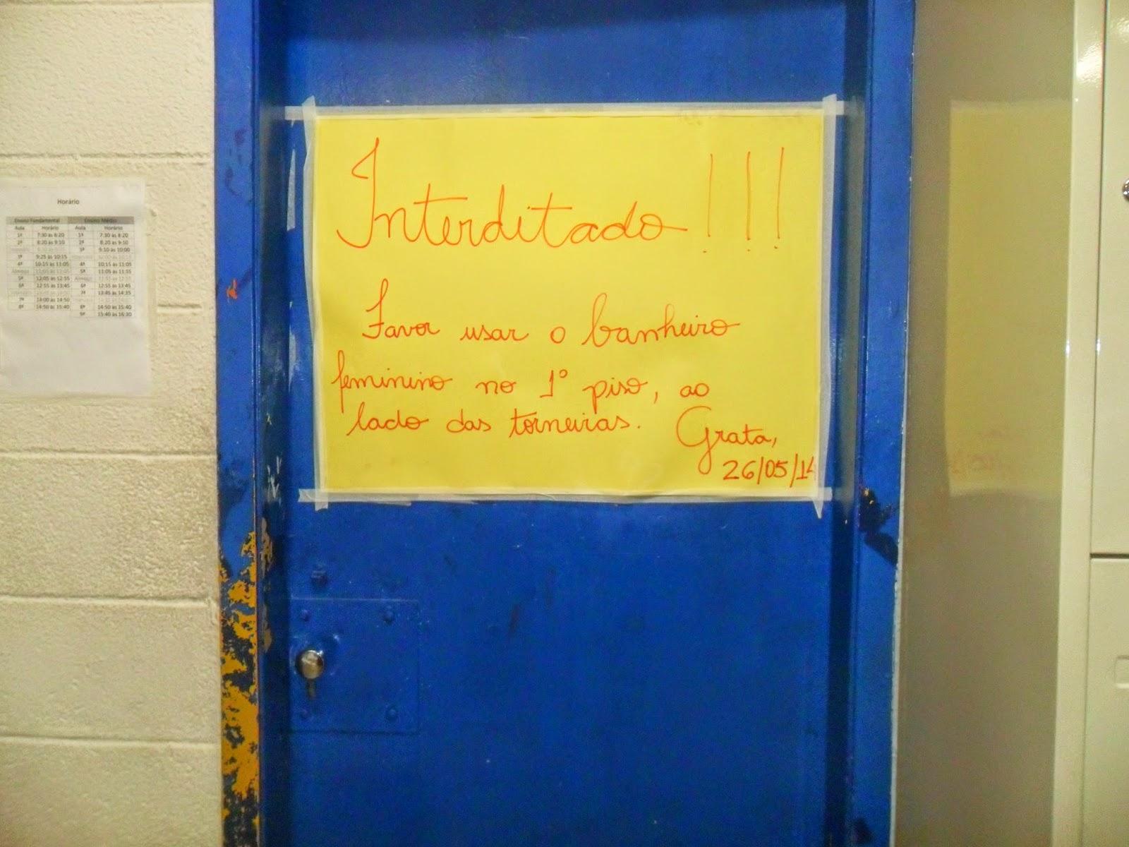 banheiro o banheiro das meninas no andar das salas está #103B80 1600 1200