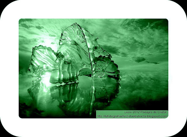 Abstract Photo 3407 Crystal Landscape 198  A broken window in our dream - Una ventana rota en nuestro sueño