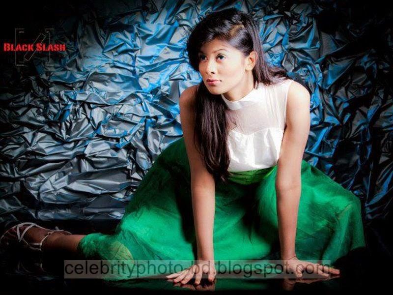 Ramp+Model+Mumtaheena+Toya+Studio+Black+Slash+PhotoShoot+And+Hot+Pose007