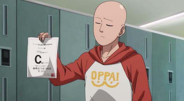 Saitama z anime One Punch-Man prezentuje swój wynik testu na bohatera, ubrany w bluzę Oppai
