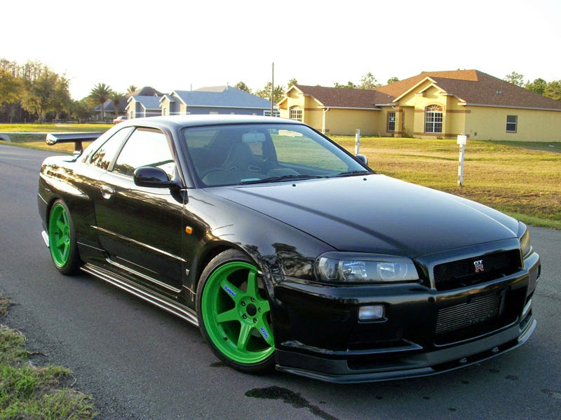 Modified Nissan Skyline R33
