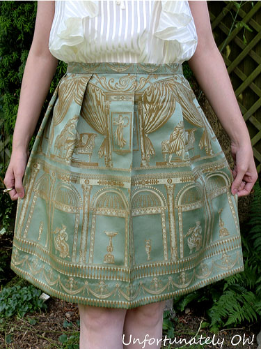 how to make a skirt from a curtain