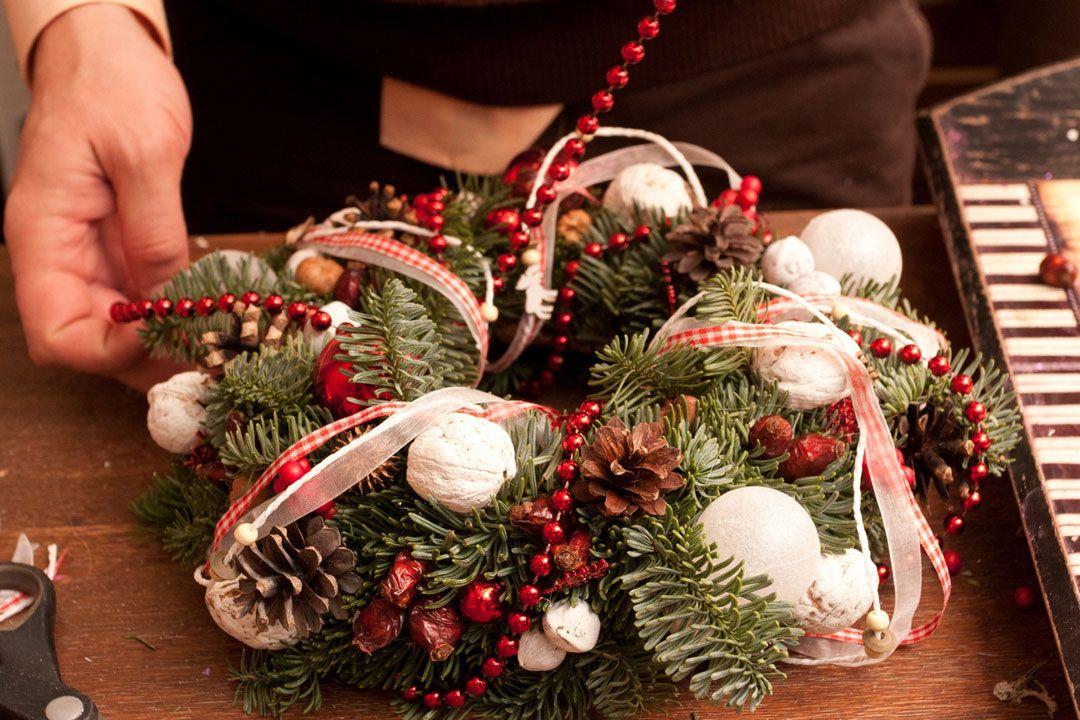 Изготовление новогоднего венка своими руками