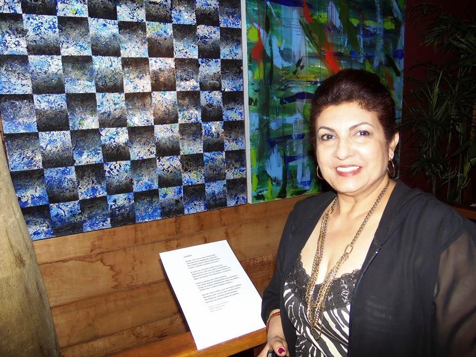 Na exposição do concurso Arte e Imagem...