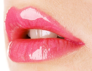light_pink_lipstick