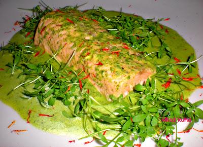 losos s svežimi zelišči, recepture za lososa, recepti za lososa, losos, zelišča, rukola, kreša, vodna kreša, bazilika