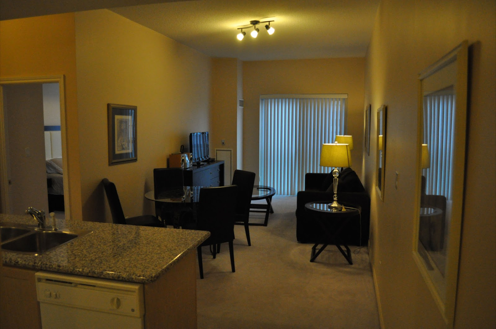 Furnished apartments toronto city stay toronto - 2 bedroom apartments in toronto canada ...