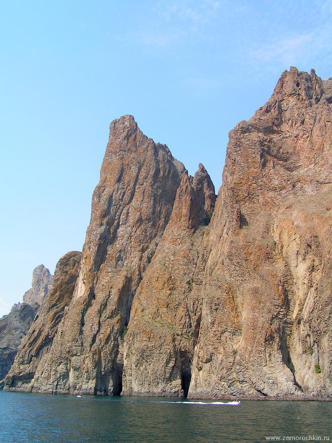 Кара-Даг. Отвесные скалы Хоба-Тепе | Kara-Dag. Cliffs of Khoba Tepe