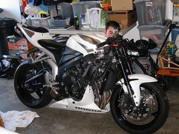 Bike Wallpapers CBR600rr Street Fighter