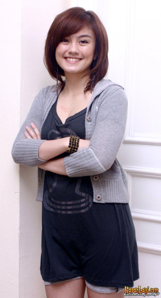Model Rambut Pendek Agnes Monica
