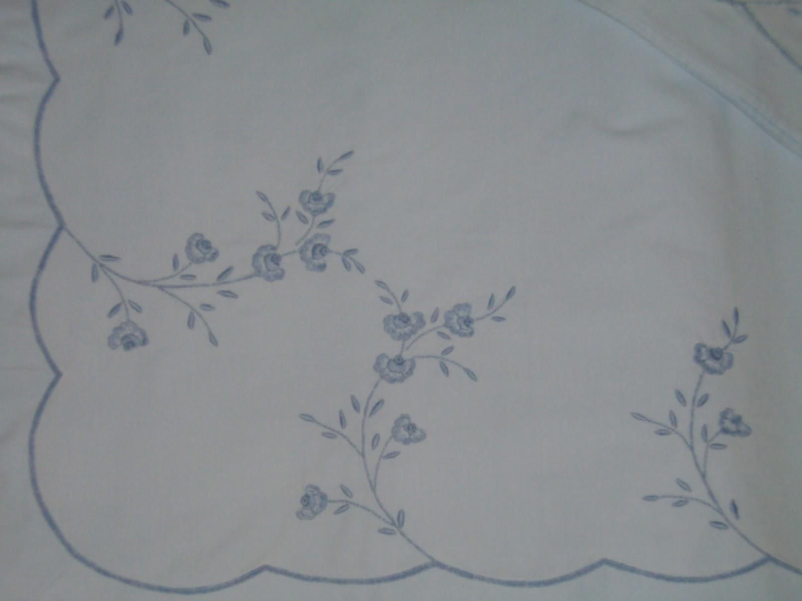 mj bordados artesanos: Juegos de sábanas y de cochecito de bebé.