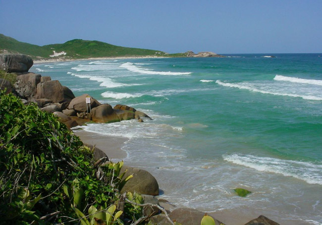 Praias de nudismo no brasil conhe a algumas op es for Paginas de nudismo
