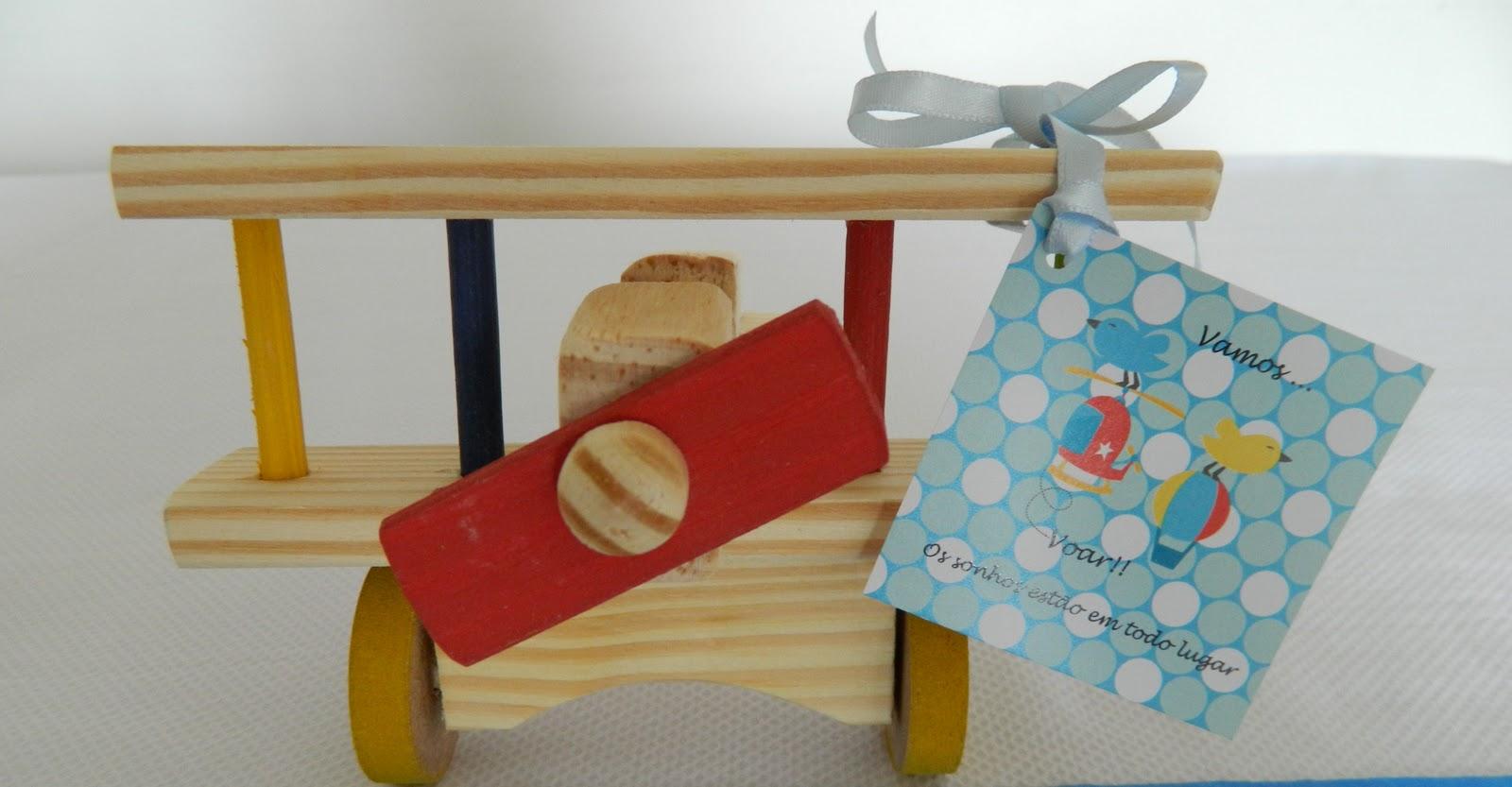avião de madeira (pequeno) Lembrancinha centro de mesa decoração #852618 1600x833