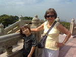Keohi and Grandma at Big Buddha 2011