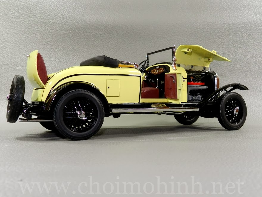 Chrysler Model 72 Le Mans1928 1:18 Signature door