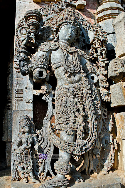 Dwarapalaka on the right of the south entrance