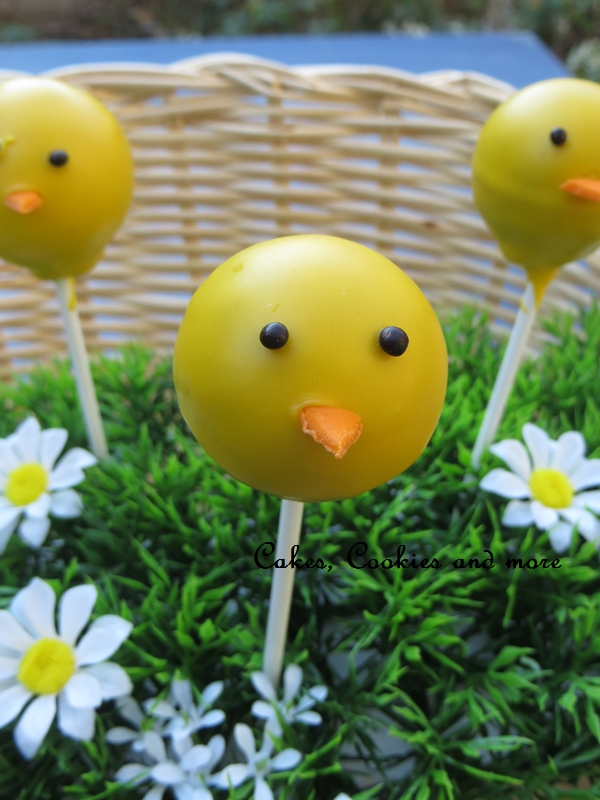 Gelbe Osterkücken Cake Pops;