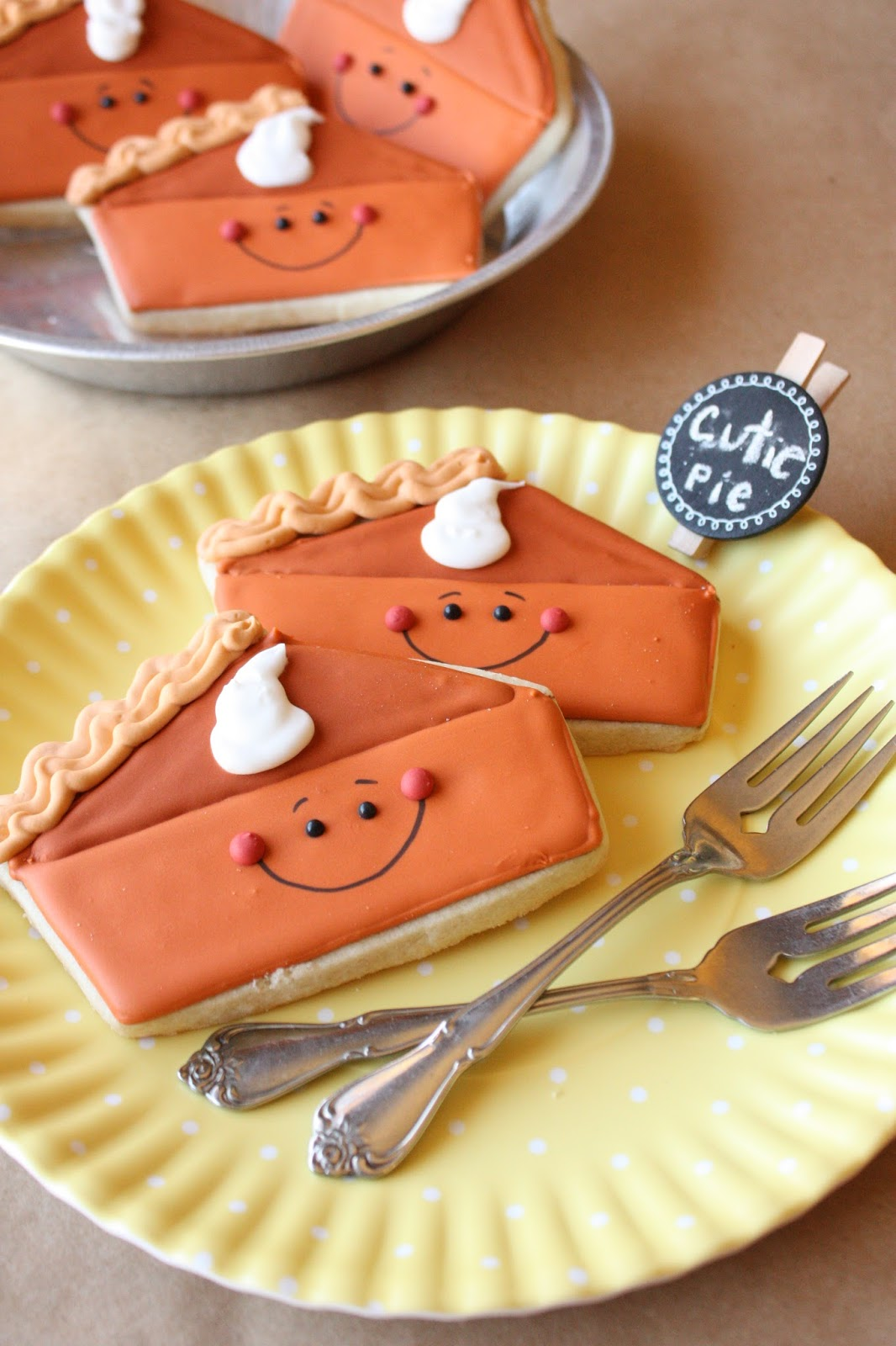 Munchkin Munchies: Pumpkin Pie Decorated Sugar Cookies