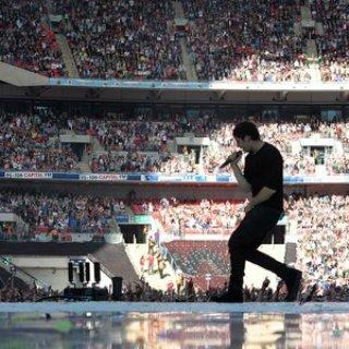 Example – Are You Sitting Comfortably? Lyrics   Letras   Lirik   Tekst   Text   Testo   Paroles - Source: musicjuzz.blogspot.com