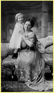 Reina Wilhermina con su hija la Princesa Juliana