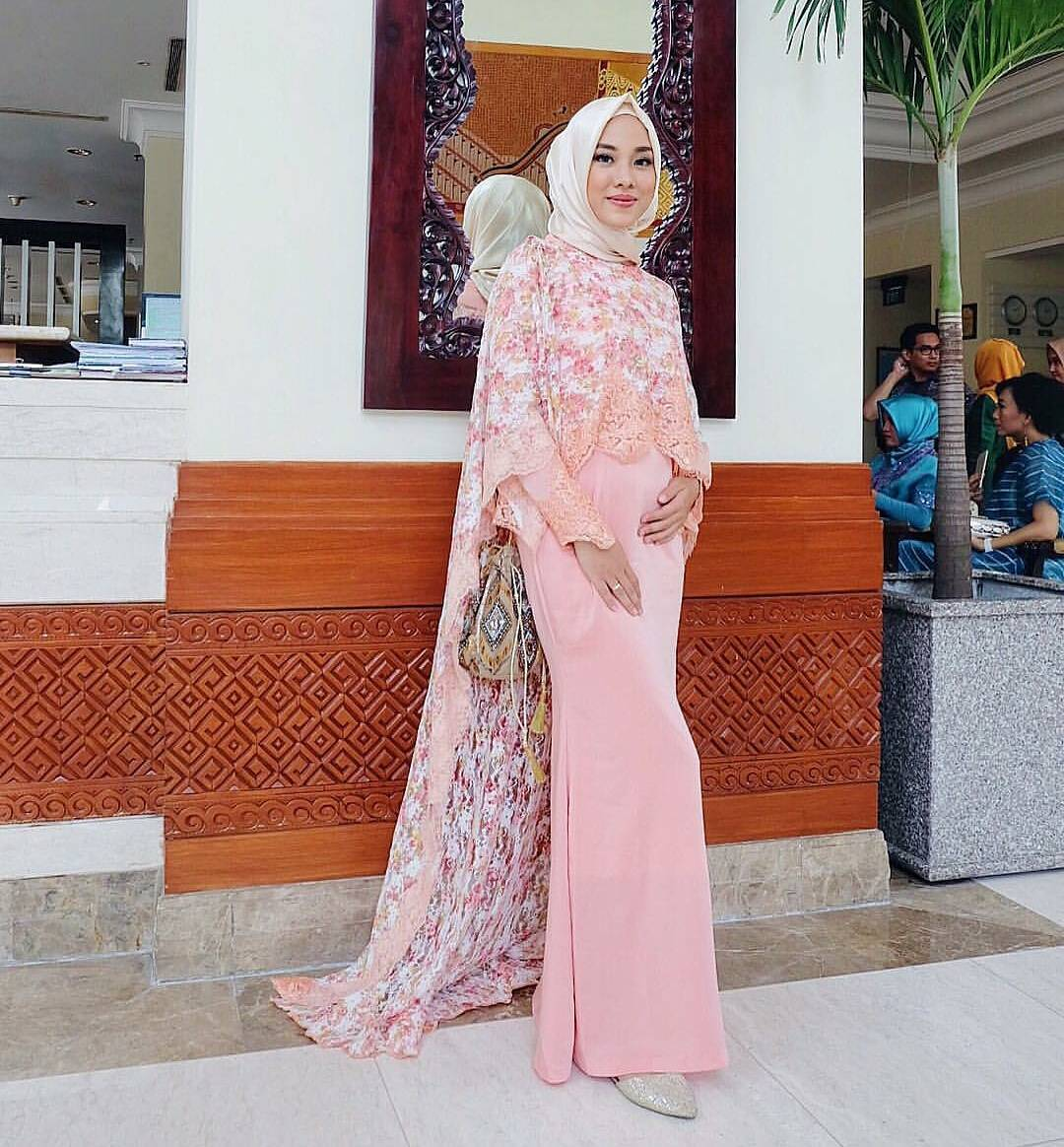 30 Model Jilbab Kebaya Ibu Ibu Nanajilbab Com