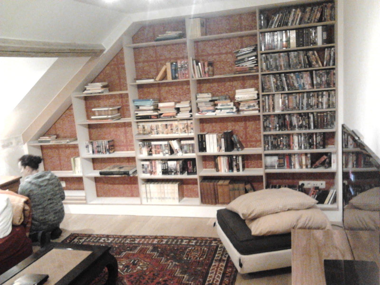 lj woodworks biblioth que sous pente en mdf pr peint tag res sur taquets. Black Bedroom Furniture Sets. Home Design Ideas