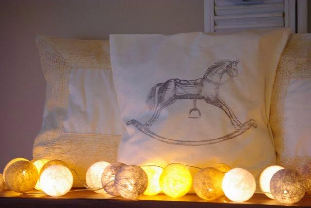 poduszki z grafiką, Boze Narodzenie w bieli