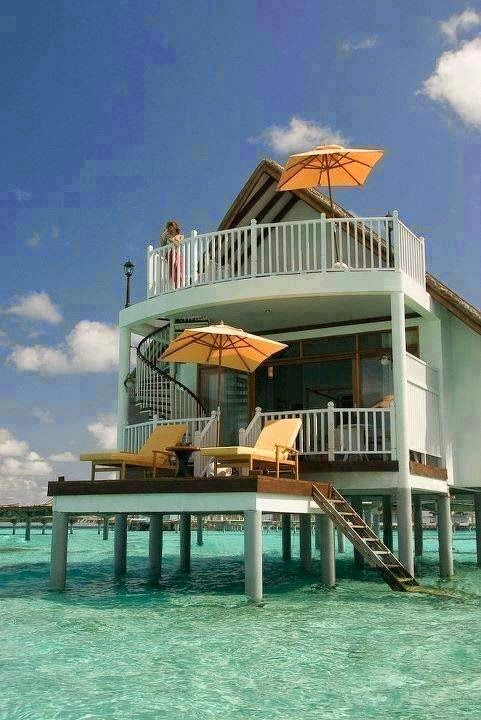 Beach-Bungalow-Maldives
