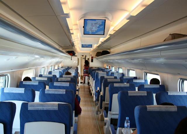 Viagem de trem de Barcelona a Madri - trem ave