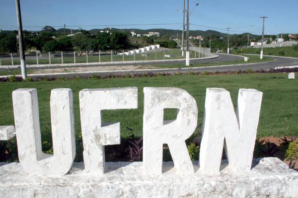 Recepção aos novos estudantes da UFRN lota auditório da reitoria