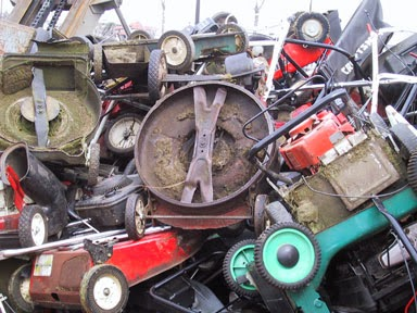 Reubens lawn care buying used lawn care equipment for Used lawn and garden equipment