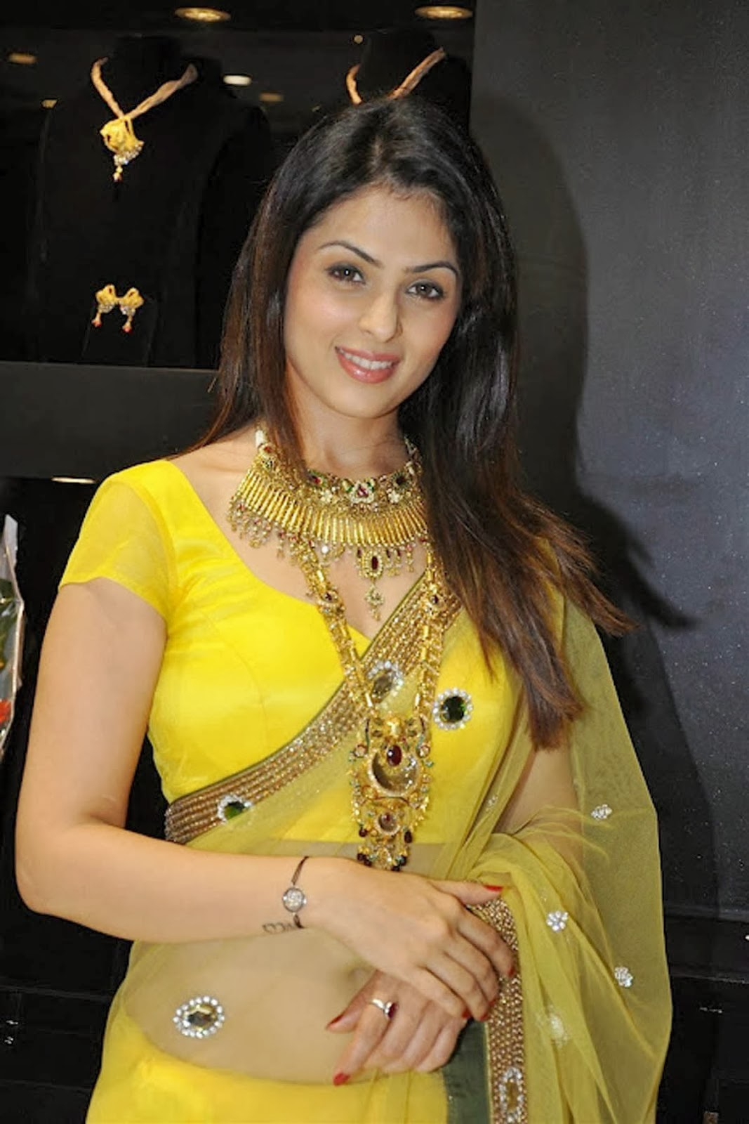 Anjana Sukhani Pictures Hd Wallpapers