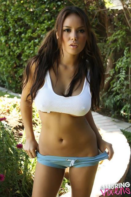 Model Justene Jaro