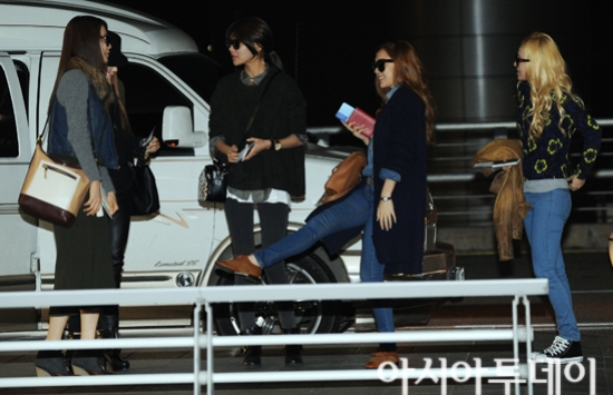 SNSD Airport Fashion at Incheon 02