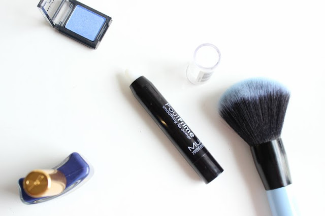 The Weird Things Beauty Bloggers Do