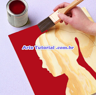 Pintando o quadrado de madeira