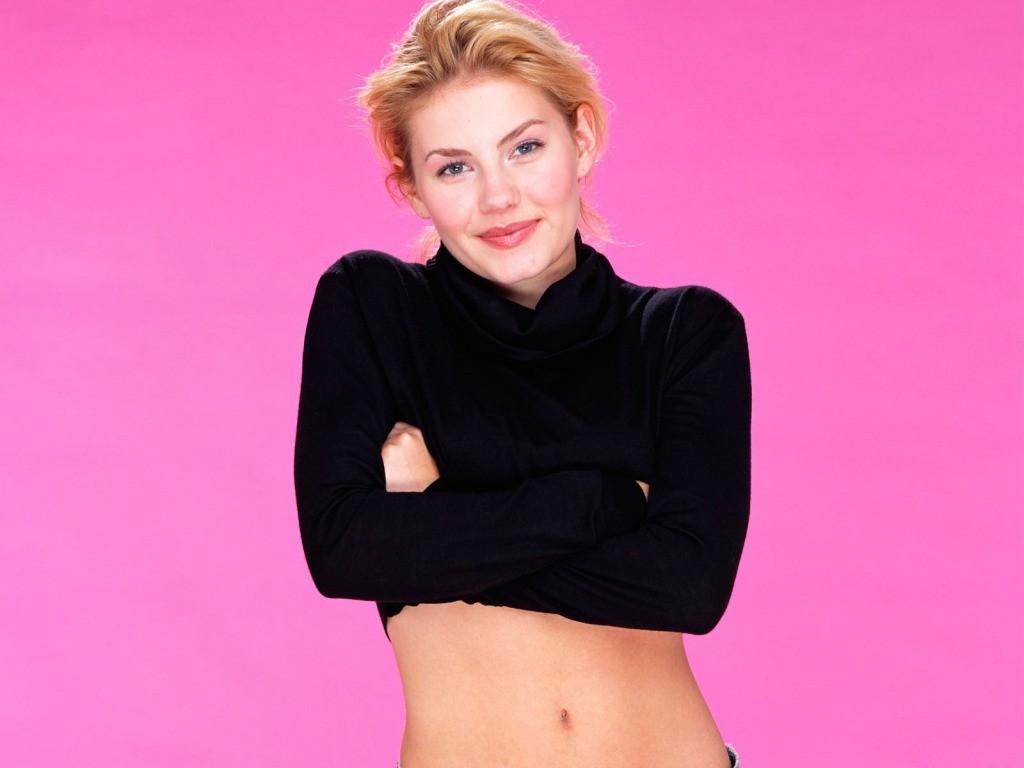 http://1.bp.blogspot.com/-CZz1RW6HNr4/TWCpl2wsAtI/AAAAAAAANqc/KVUxvwB8hoY/s1600/Elisha-Cuthbert-Beautiful-Smile.jpg