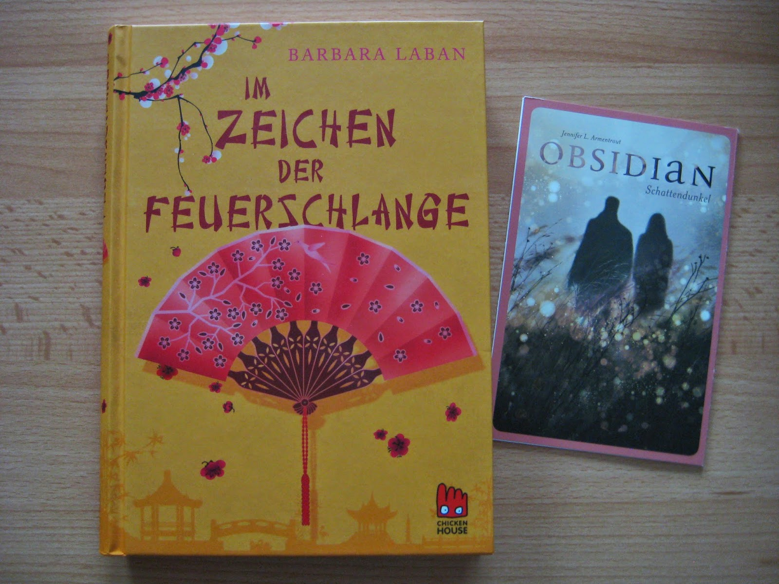 http://www.carlsen.de/hardcover/im-zeichen-der-feuerschlange/44898#Inhalt