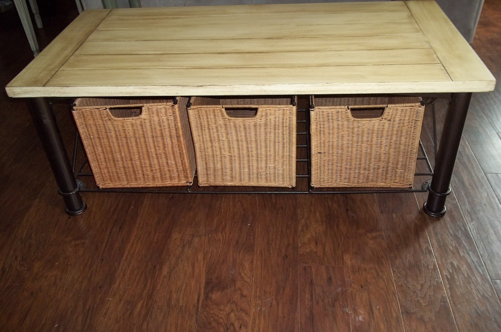 Refurbished Furniture Cream Coffee Table With Wicker Baskets