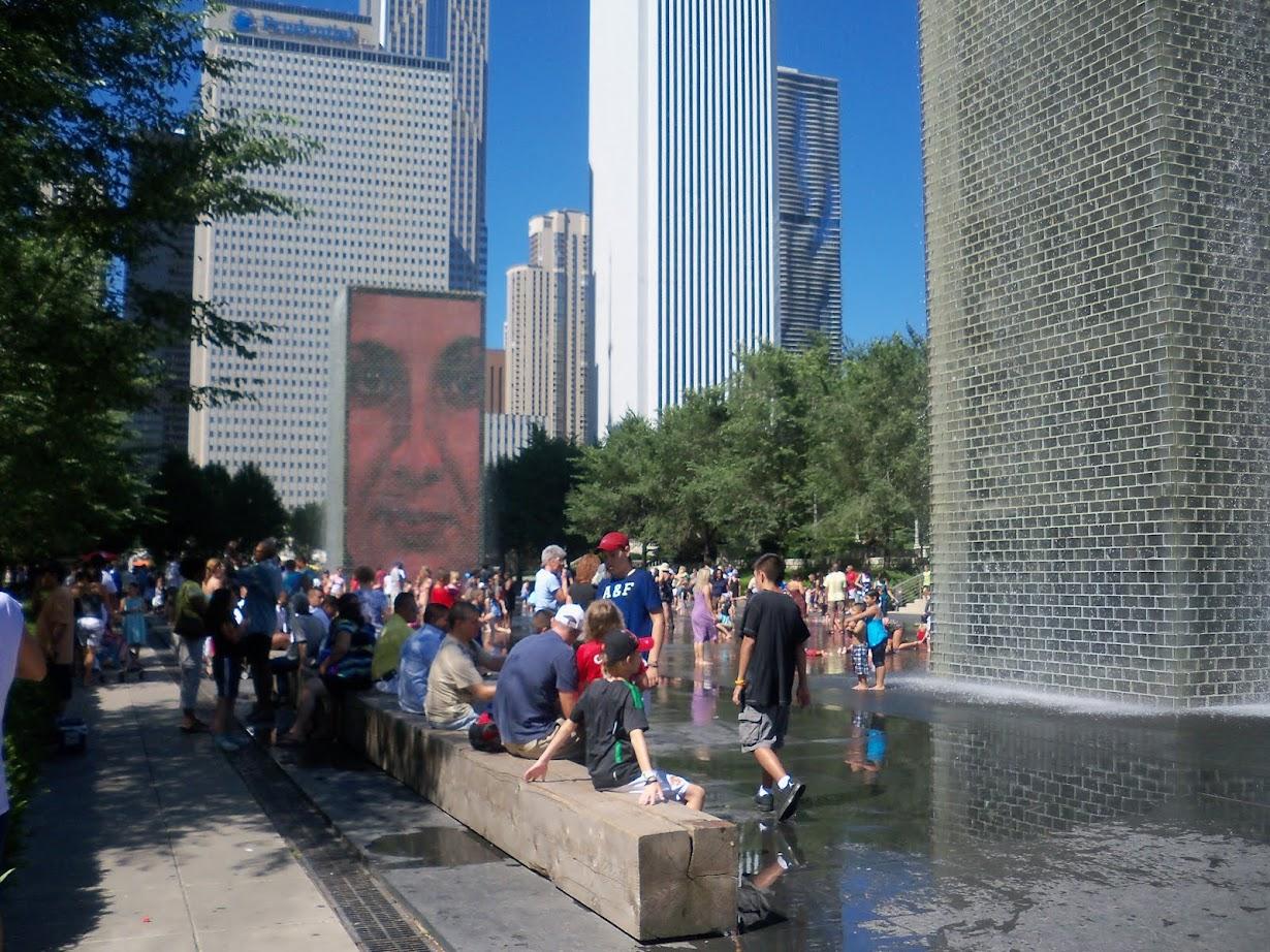 2004-CHICAGO TOURS  DE BLOCS EN VERRE