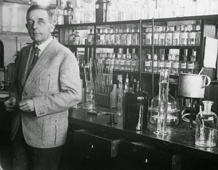 """dr otto heinrich warburg pic - LA PRINCIPALE CAUSA DEI TUMORI FÙ SCOPERTA NEL 1931. MA """"HANNO PREFERITO"""" NON DIRVELA"""