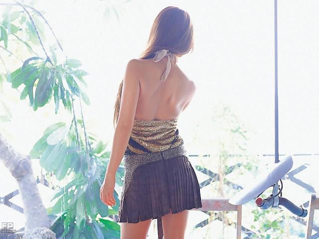 Ayumi Uehara Glamorous HD Wallpaper