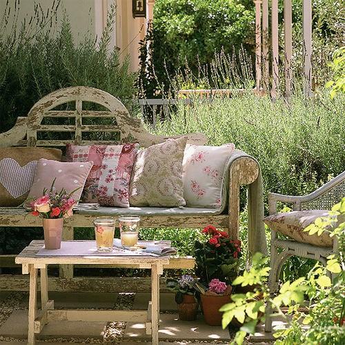 ideias de jardins lindos:By Kika Arts: Ideias de decoração de jardins, lindos demais