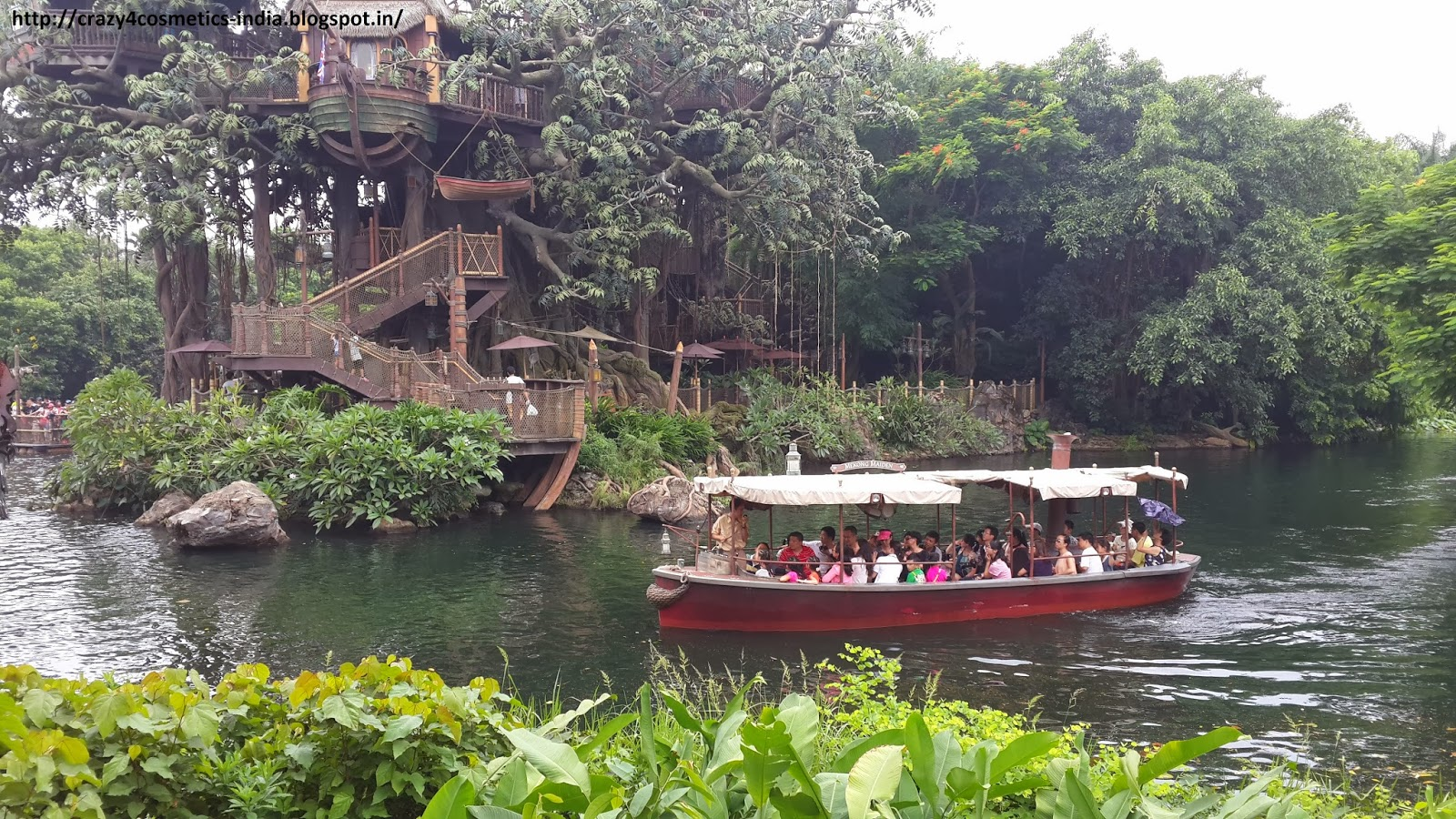 Hongkong Disneyland Jungle Safari Ride in Adventure Land